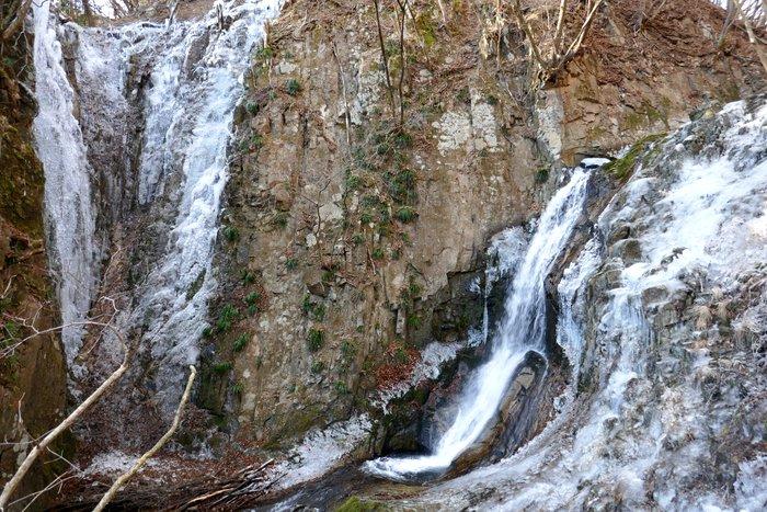 今年も滝、凍らせてます!